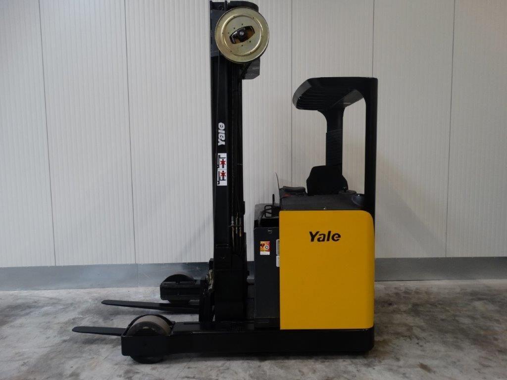 Yale Elektro-Schubmaststapler