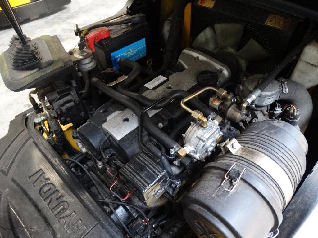 Hyundai Wózek widłowy z napędem LPG