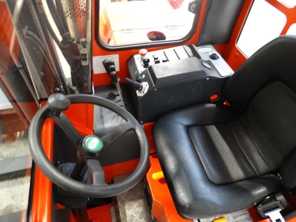 Combilift Czterokierunkowy wózek boczny