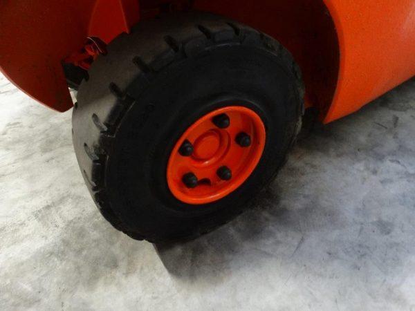 Linde Wózek widłowy z napędem Diesel
