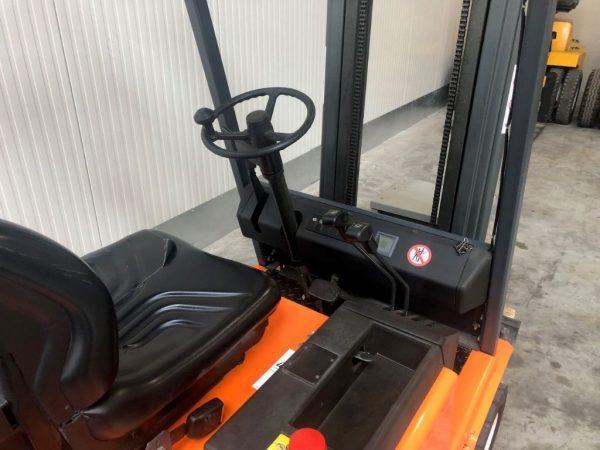Steinbock Boss Wózek widłowy elektryczny 3-kołowy