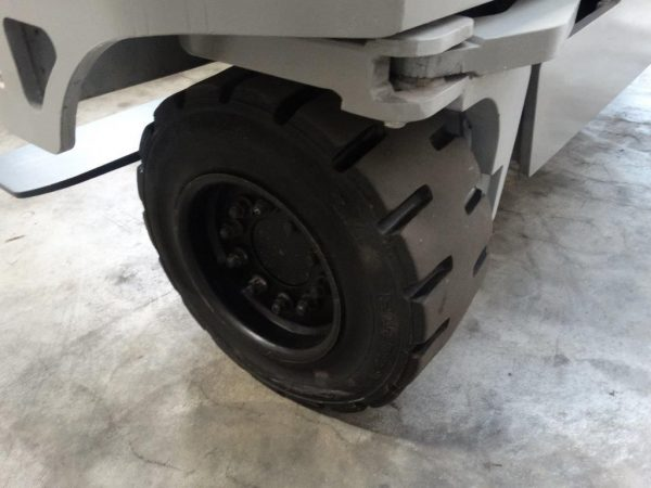 Hubtex Czterokierunkowy wózek boczny