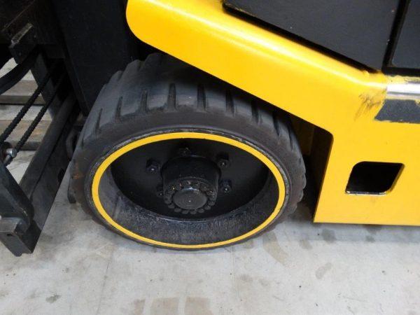 Hyster Wózek widłowy kompaktowy
