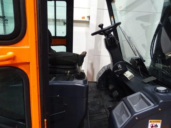 Doosan Wózek widłowy z napędem Diesel