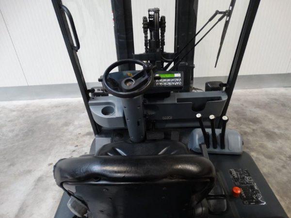 Still Wózek widłowy elektryczny 4-kołowy