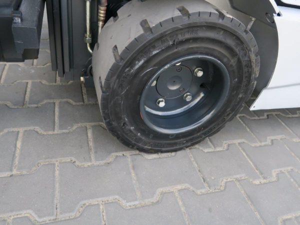 Still Wózek widłowy z napędem LPG